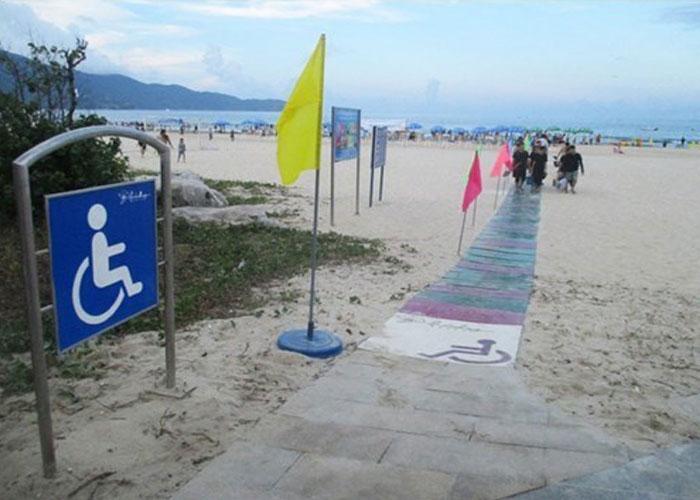 Da-Nang-Lays-Path-For-Wheel-Chair-Users-At-Beach