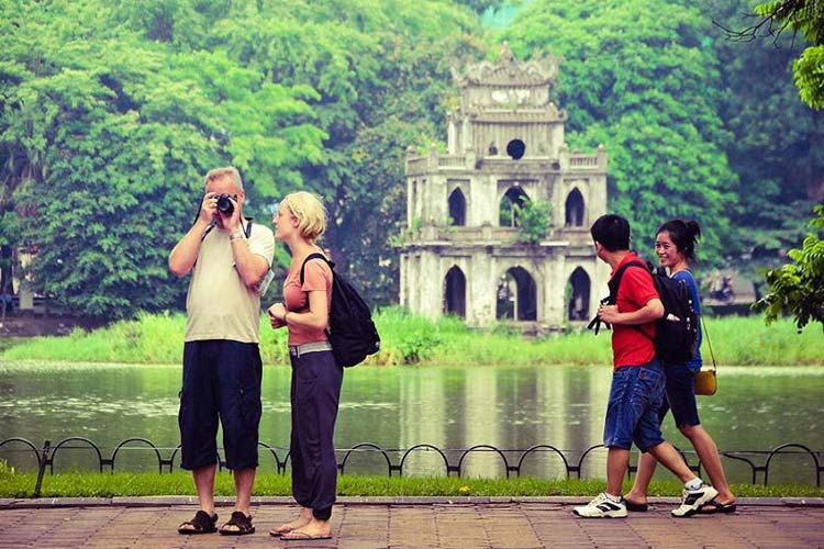 tourist-photographing-in-Vietnam