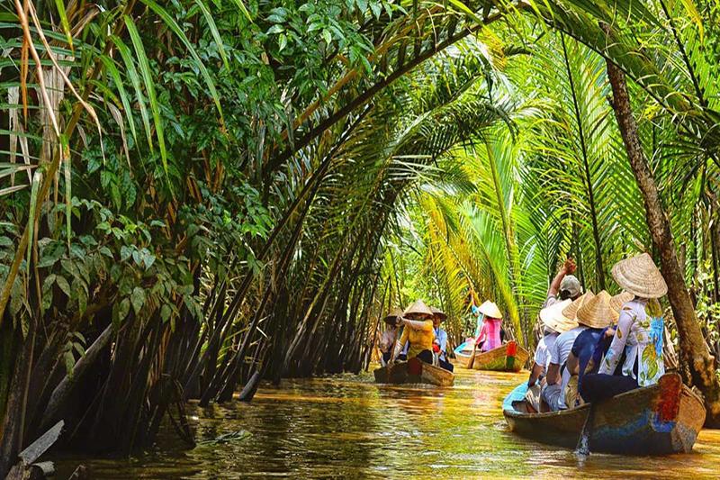 Vietnam private tours