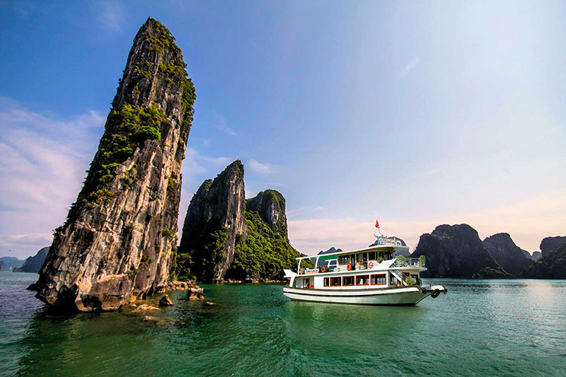 Halong day cruise tour