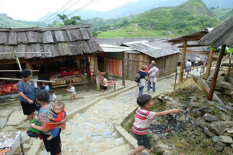 Vietnam trekking tour