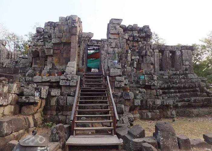 Heuan Hinh stone house