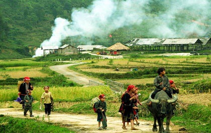 Trekking to villages in Sapa